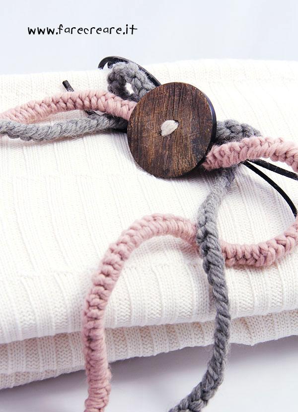 collanna-uncinetto-rosa-grigio