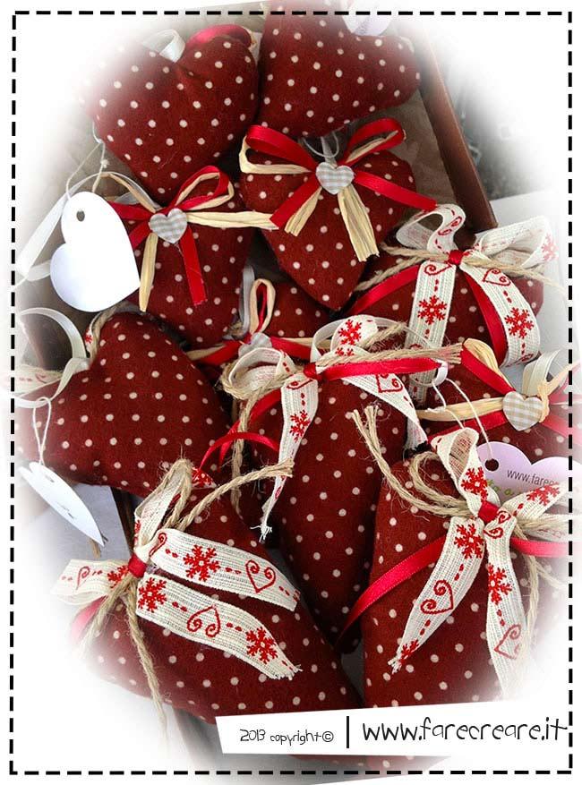 Decori di natale fai da te idee per cuori con schema di for Natale 2016 addobbi fai da te
