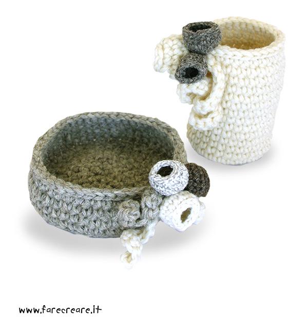 vasi-uncinetto-fondo bianco