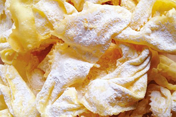 bugie-di-carnevale-crostoli frittelle e crostoli