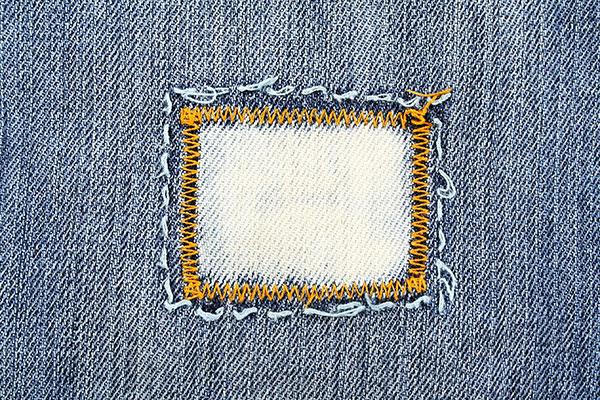 rammendare-i-jeans-come-mettere-toppa