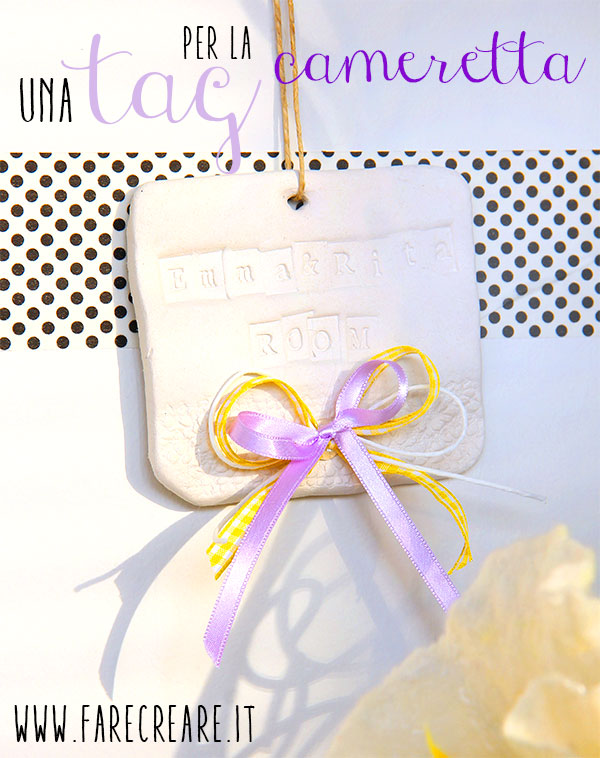Immagine di tag con nomi per la cameretta in pasta sintetica.