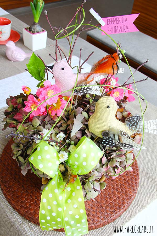 immagine di centrotavola di primavera di farecreare.