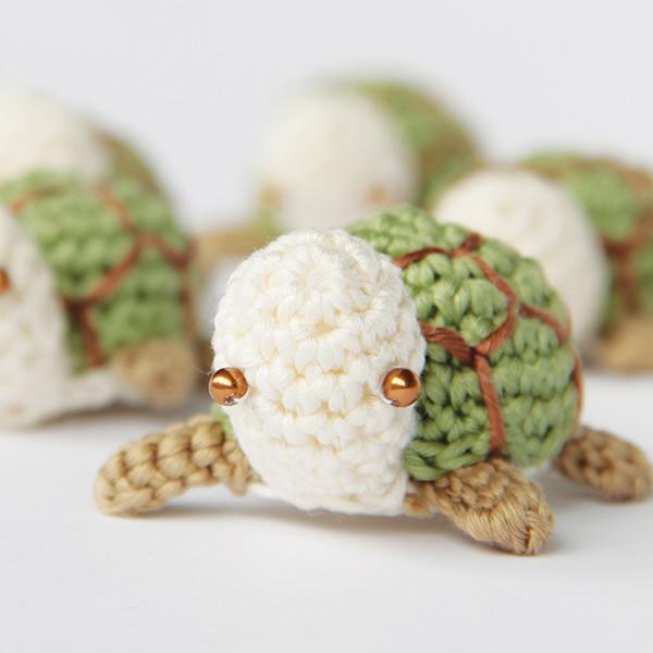 Una tartaruga amigurumi.