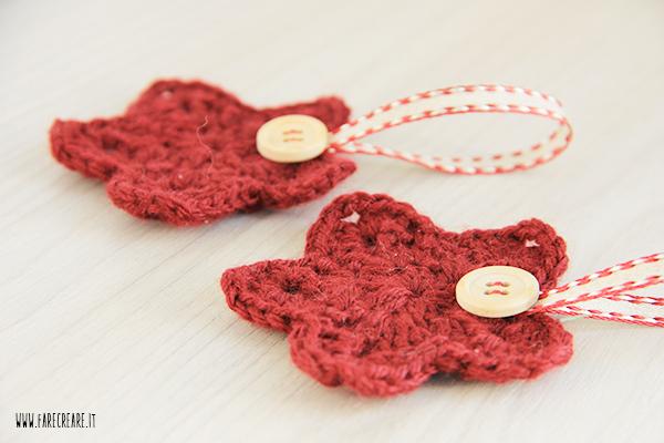 Stella a crochet rossa.