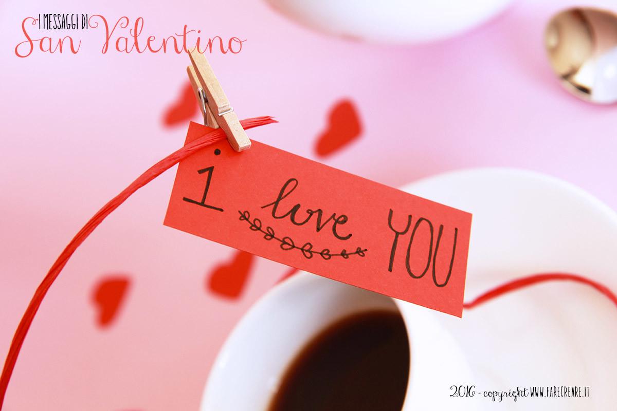 Scritta I love you in cartocino rosso.