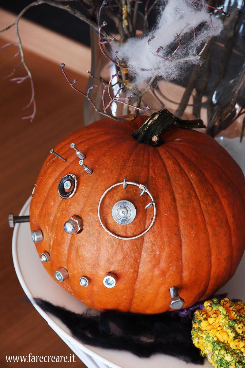 Zucca di Halloween in stile Frankestein.