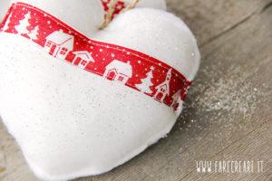 Cuori di Natale in tessuto morbido fai da te.