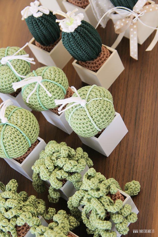 Bomboniere uncinetto piante grasse - dettaglio della confezione e del sottovaso.