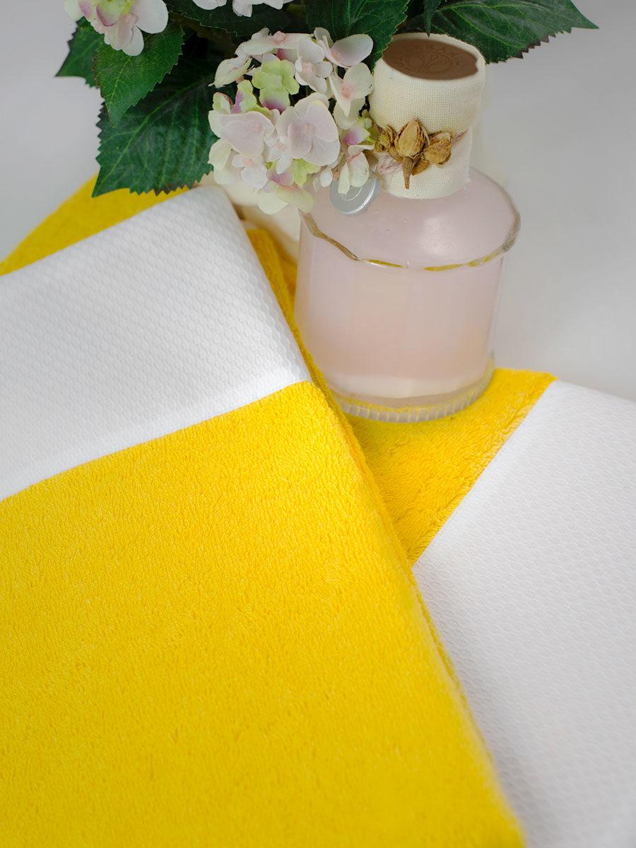 Lime Italy nuova collezioni asciugamani spugna - colore giallo con balza di piquet bianca di cotone.